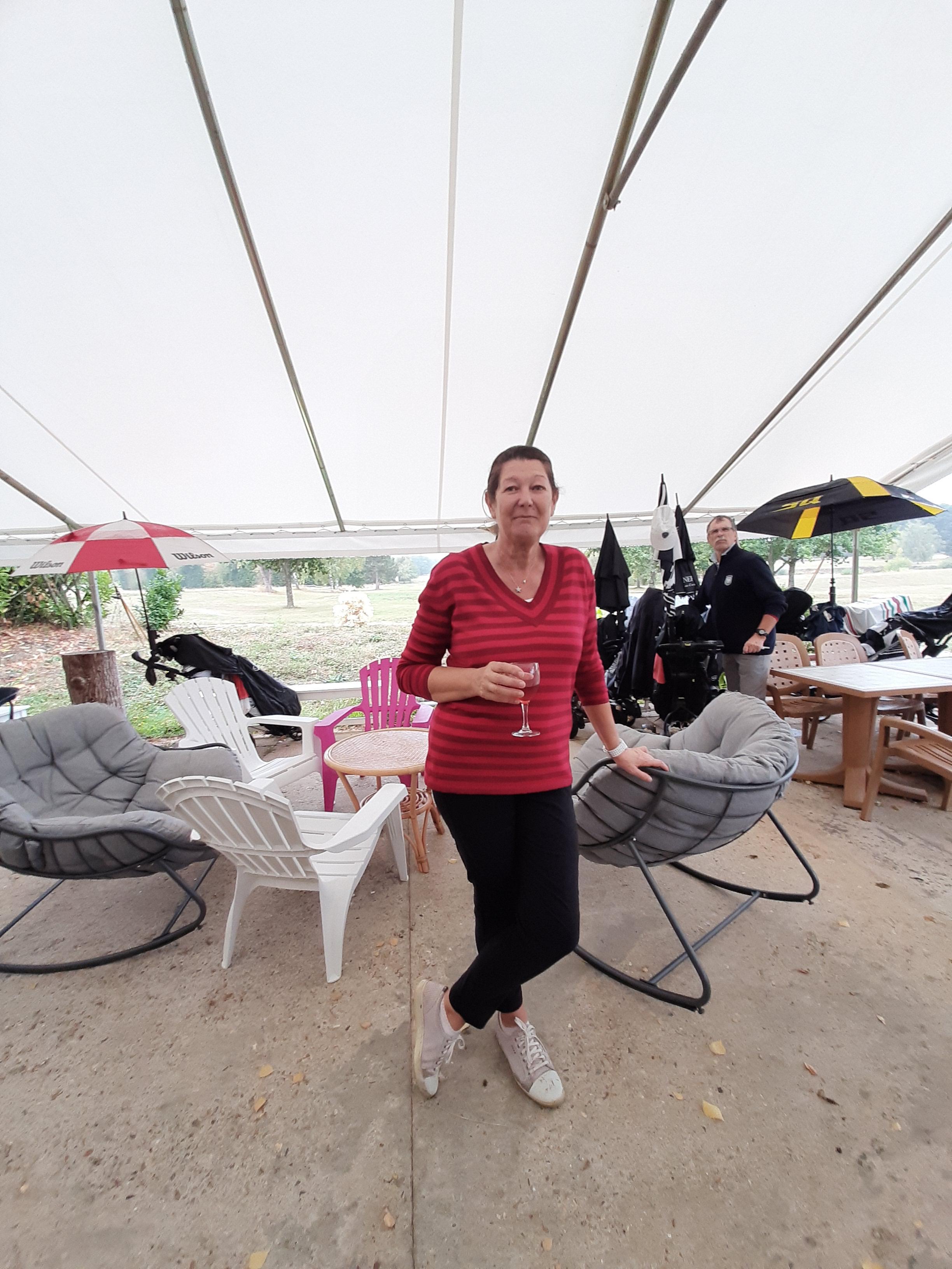 Sylvie en terrasse